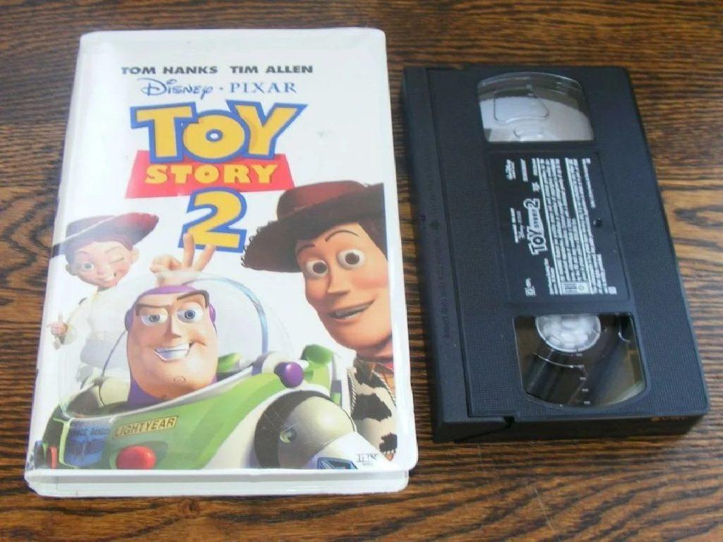 """VHS-касета с """"Историей игрушек 2"""""""