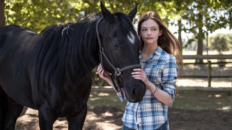 Disney+ покажет слезовыжимательную драму «Черный Красавчик» о дружбе девушки и лошади