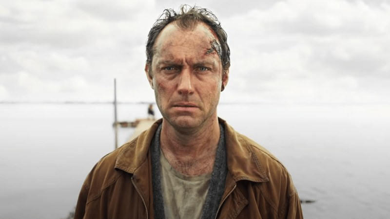 Джуд Лоу отправляется на хоррор-остров в трейлере сериала «Третий день»