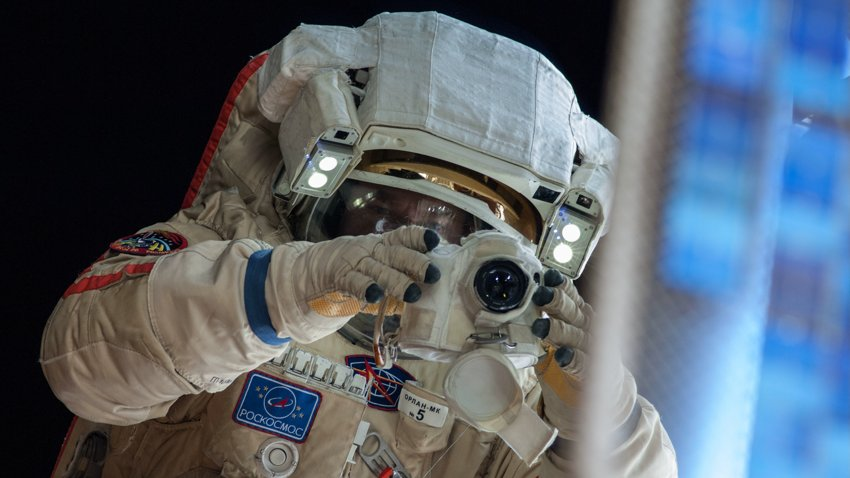 Россия может первой в мире снять фильм в реальном космосе. Почему это не вызывает гордости?