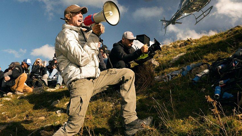 Майкл Бэй присматривается к режиссуре ремейка датского триллера «Скорая помощь»