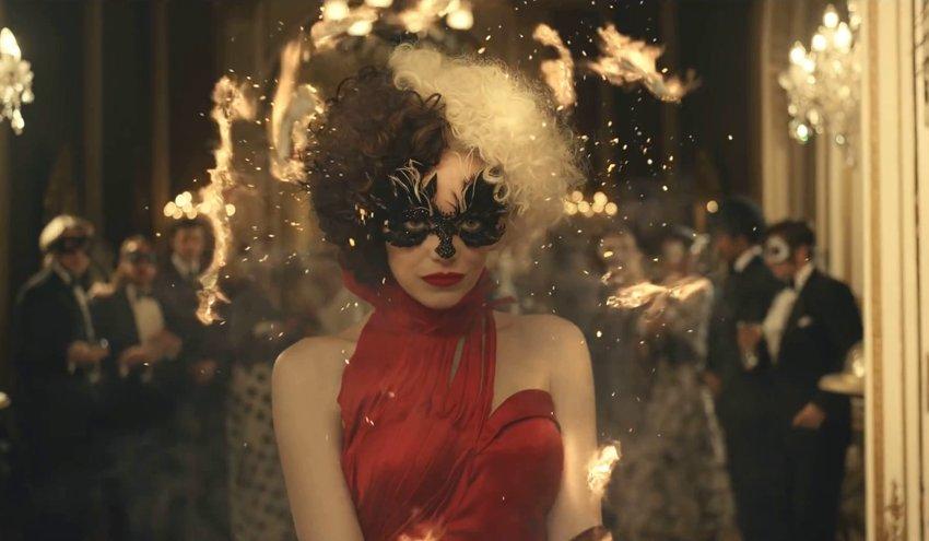 Гениальная преступная и безумная Эмма Стоун в русском тизере фильма «Круэлла»