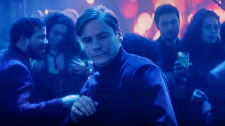Вышла полная сцена танца Барона Земо из сериала «Сокол и зимний солдат»