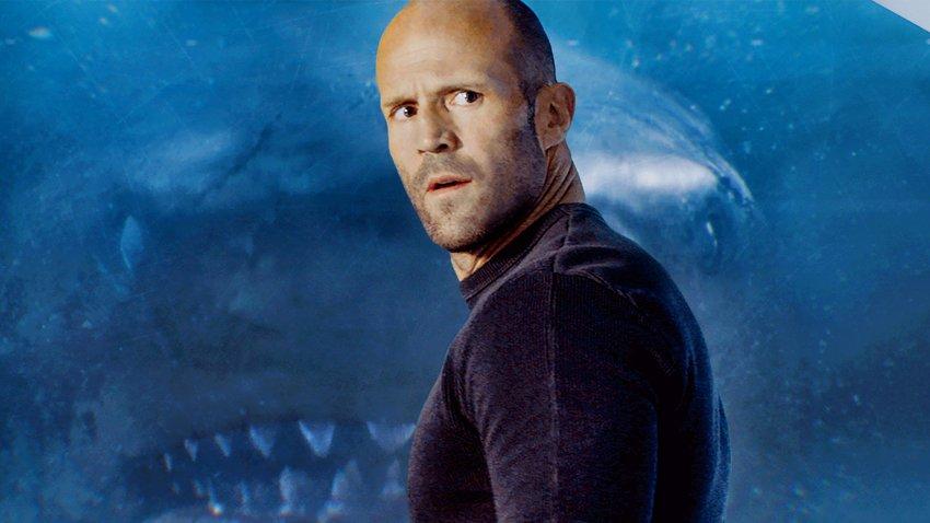 Джейсон Стэйтем продолжит сражаться с гигантскими акулами в «Мег 2: Траншея»