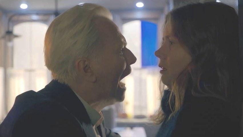 Эми Адамс подглядывает за соседями в русском трейлере триллера «Женщина в окне»