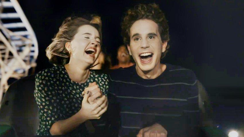 Эми Адамс и Джулианна Мур в трейлере мюзикла про асоциального подростка «Дорогой Эван Хансен»