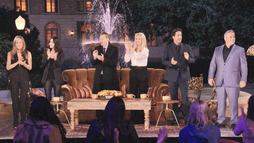 «Друзья» снова вместе и вспоминают, как создавался сериал в трейлере спецэпизода