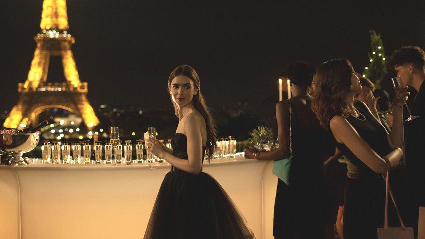 Начались съемки 2 сезона «Эмили в Париже», самой популярной комедии 2020 года от Netflix