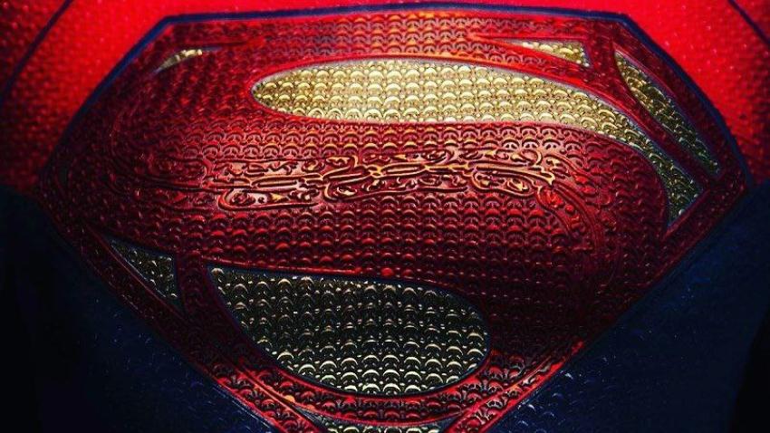 В сеть просочились фото Супергерл со съемок фильма «Флэш»
