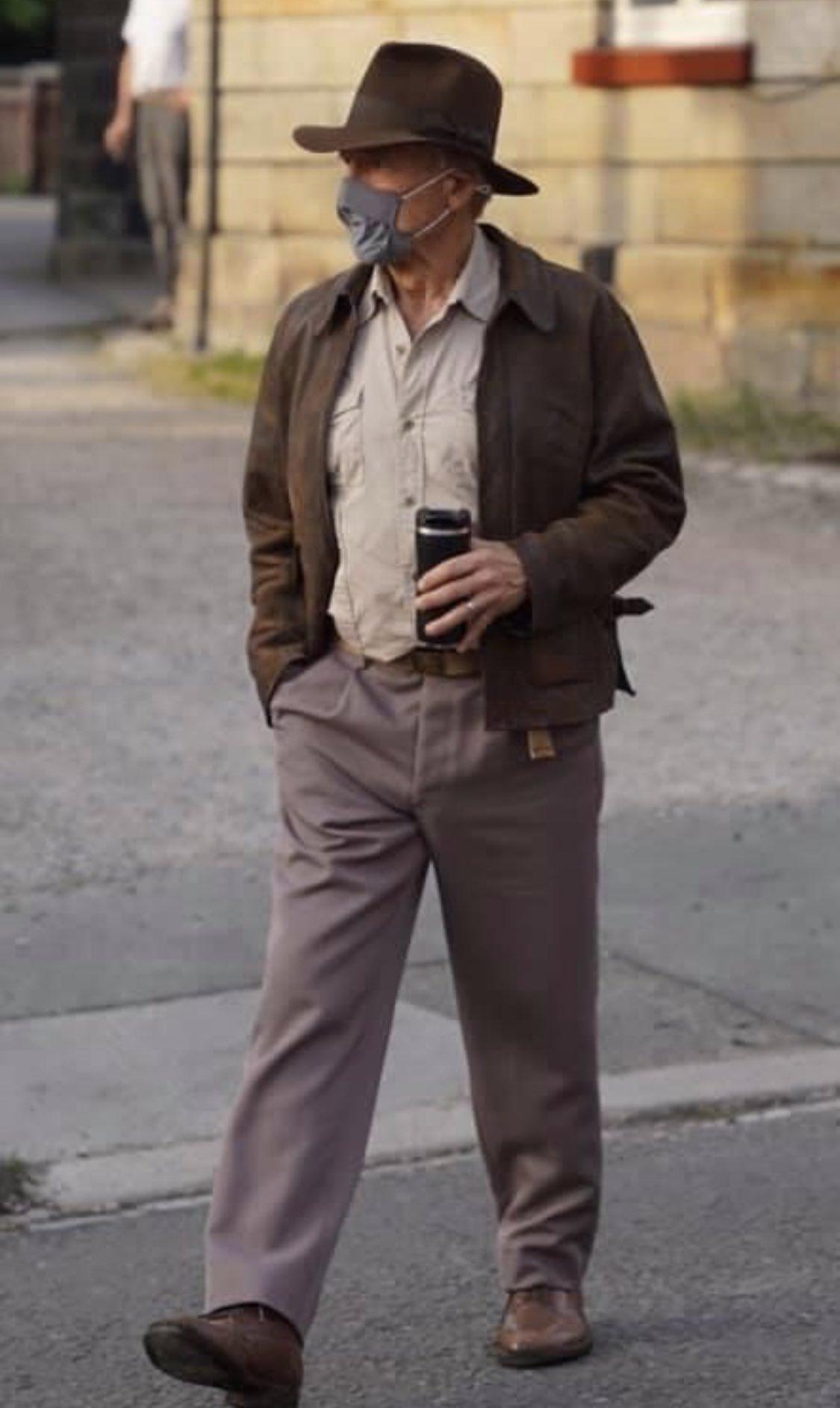 Появились первые фото 78-летнего Харрисона Форда в образе Индианы Джонса для нового фильма