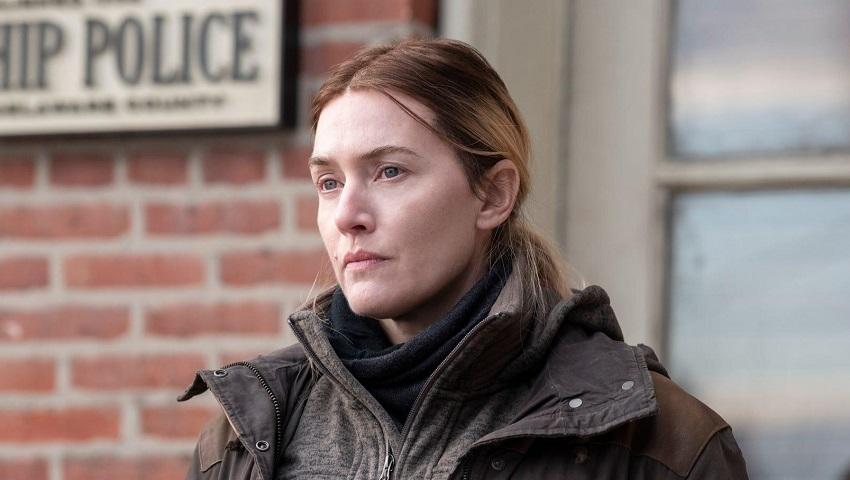 Кейт Уинслет из сериала «Мейр из Исттауна» не позволила вырезать свисающий живот из постельной сцены