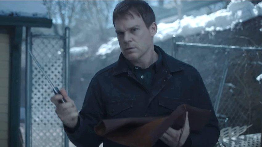 Декстер выбирает подходящий режущий предмет в трейлере нового сезона