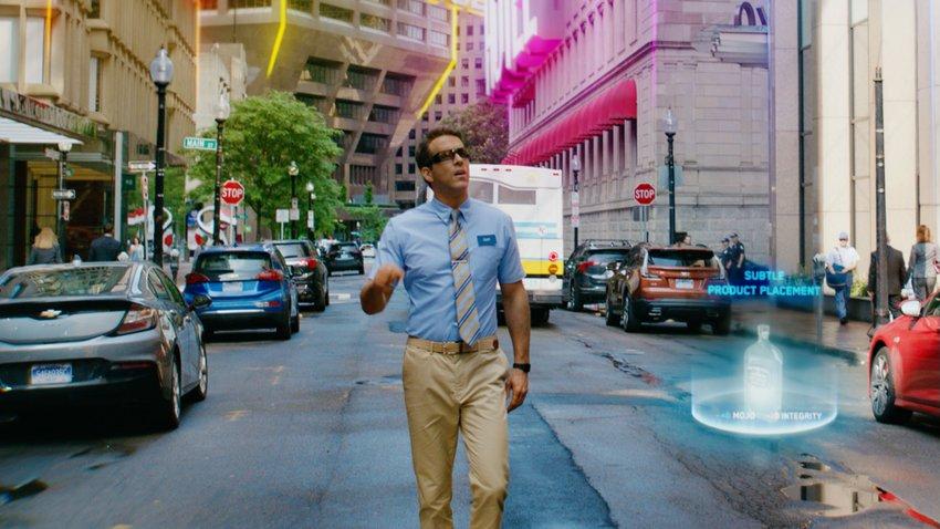 Комедия «Главный герой» с Райаном Рейнольдсом заработала $300 млн в мировом прокате
