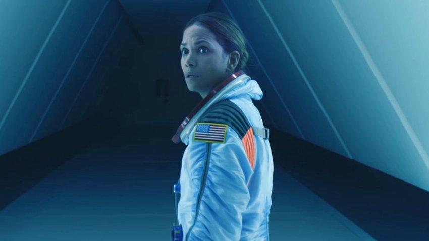 Вышел первый трейлер фильма-катастрофы Роланда Эммериха «Падение Луны»