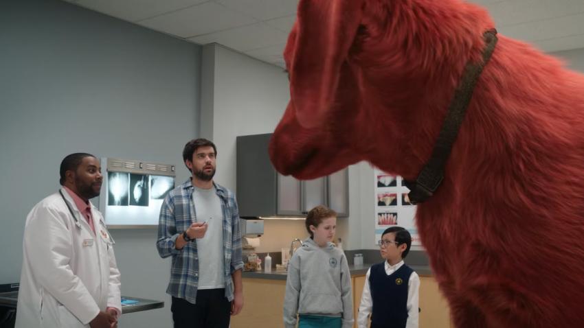 Люди учатся принимать трехметровых собак в трейлере фильма «Большой красный пес Клиффорд»
